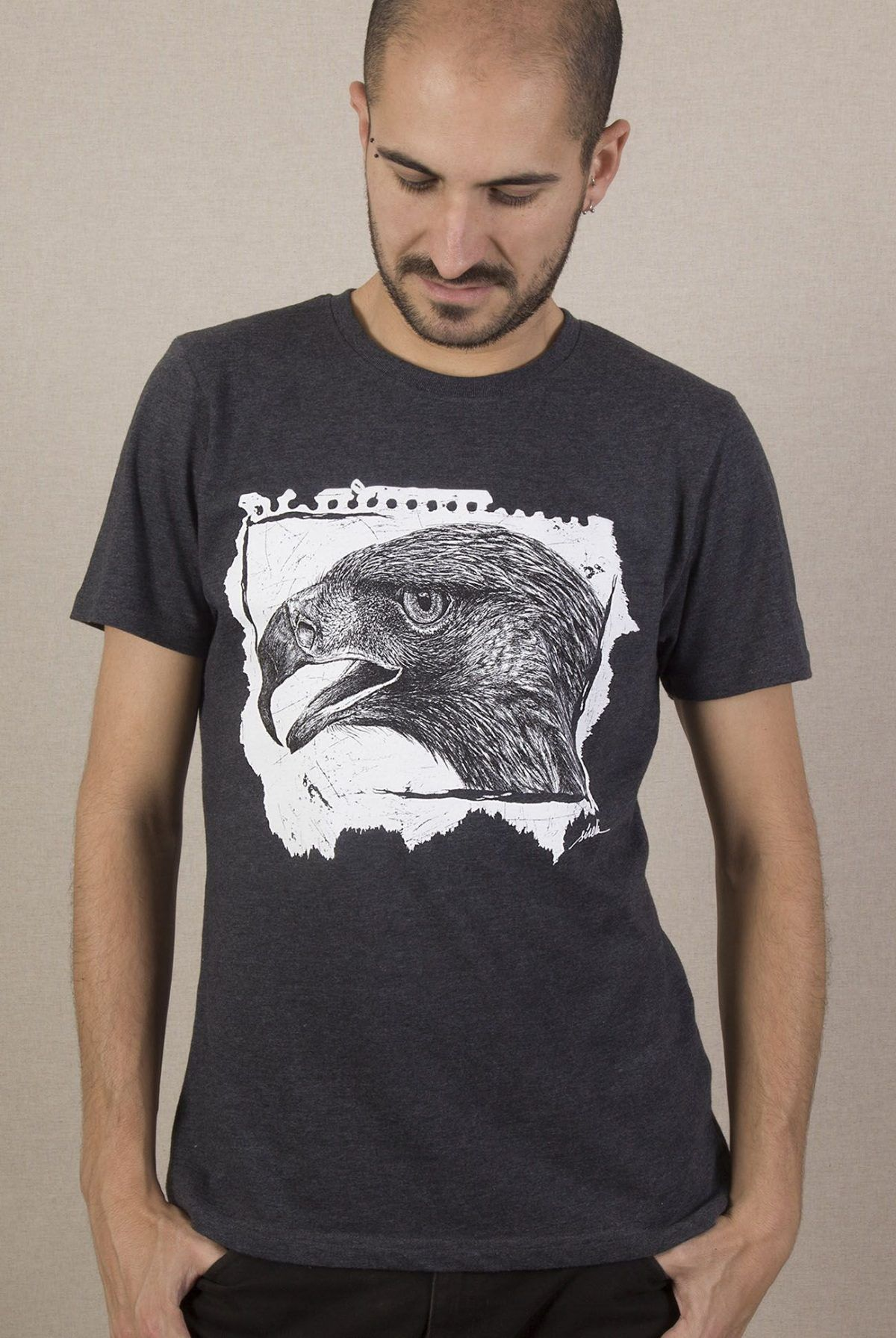 camiseta ecologica-aguila-hombre-gris-sirem-wild-animales-aves