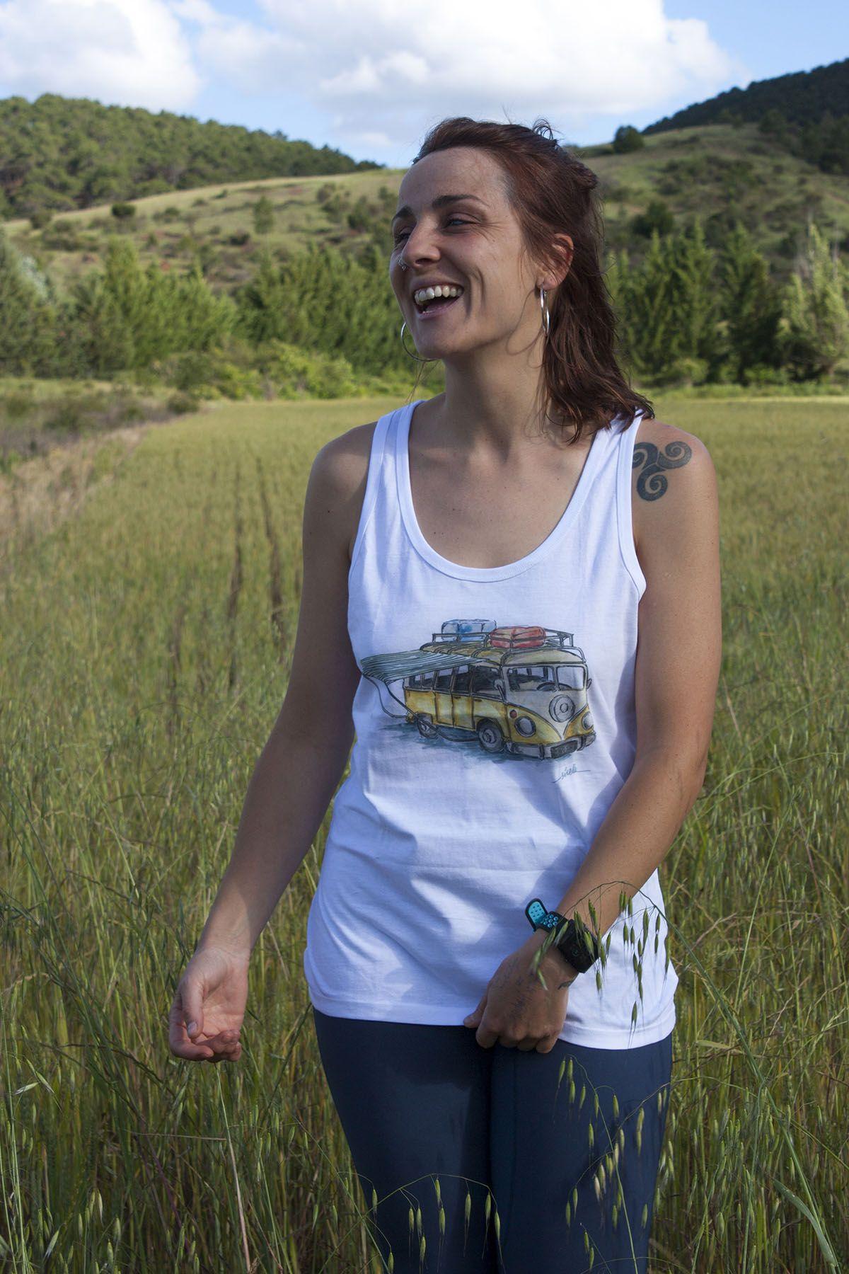 camiseta-furgoneta camper volkswagen-algodon organico-sirem wild-moda etica sostenible-mujer tirantes