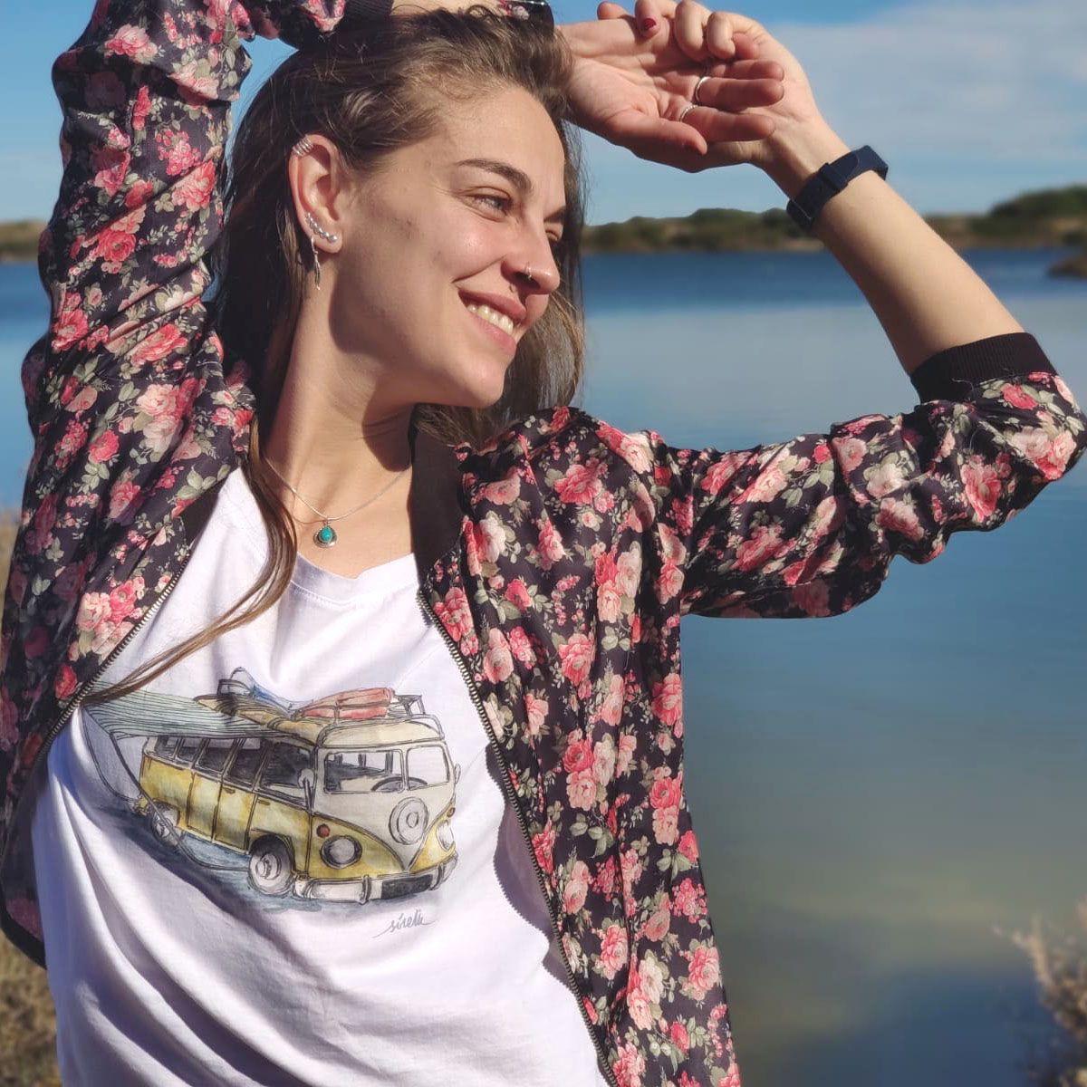 camiseta furgoneta vw camper-algodon organico-sirem wild-mujer manga corta-blanca