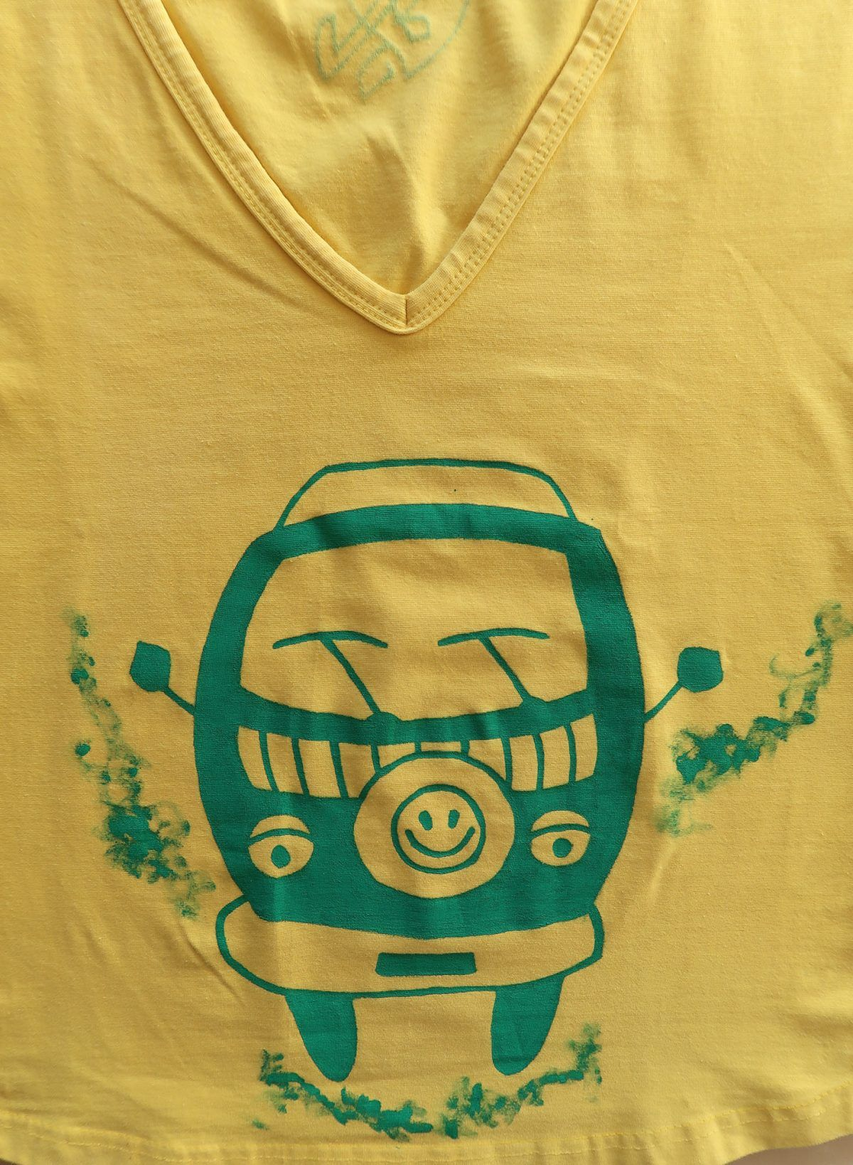 Camiseta pintada a mano-furgoneta camper