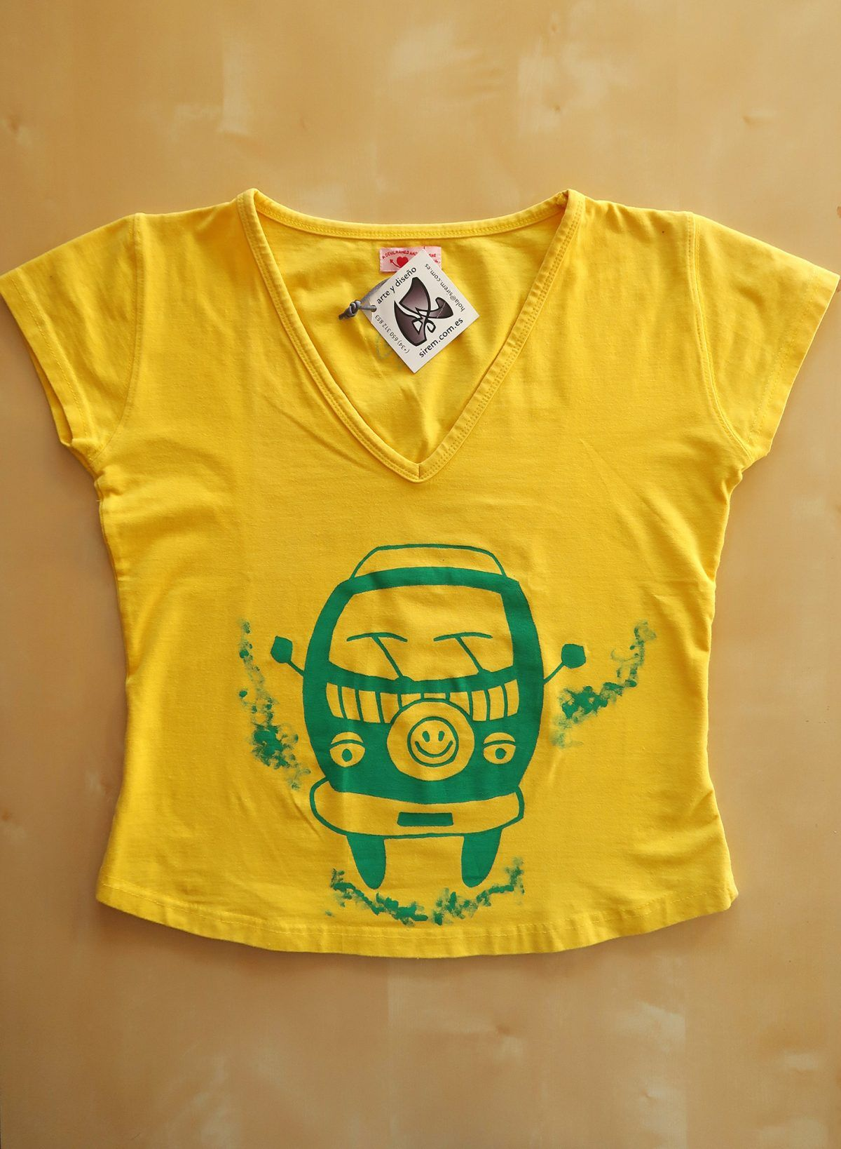 Camiseta pintada a mano-furgoneta-mujer manga corta